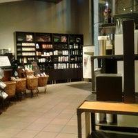 Photo taken at Starbucks by kilinkis i. on 3/26/2012