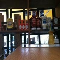 8/10/2012 tarihinde Onur A.ziyaretçi tarafından Burger House'de çekilen fotoğraf