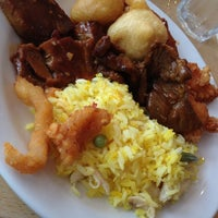 Photo taken at Banana Leaf by Twinkle B. on 6/14/2012