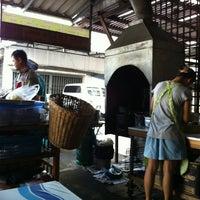 Photo taken at ร้านลาบร้อยเอ็ด by Pak n. on 4/21/2012