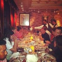 รูปภาพถ่ายที่ Uncle Jack's Steakhouse โดย Ian F. เมื่อ 8/13/2012