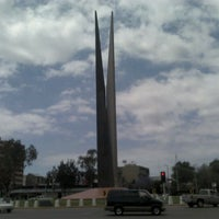 Photo taken at Glorieta Del Monumento a la Independencia (Las Tijeras) by Emma H. on 5/2/2012