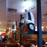 Foto diambil di Mr. Jack's oleh Christoph S. pada 4/20/2012