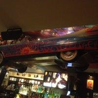 Снимок сделан в Hard Rock Cafe Houston пользователем Phil W. 9/7/2012