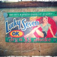 Foto scattata a Lucky 7 da Matt H. il 2/26/2012