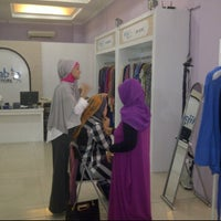 Photo taken at Moshaict Hijab Store by TiRa ♥. on 2/9/2012