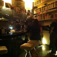 Foto scattata a Draft Book Bar da Alex S. il 3/17/2012