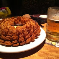 Foto tirada no(a) Outback Steakhouse por Livia J. em 9/12/2012