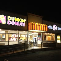Photo taken at Dunkin Donuts / Baskin Robbins by Jose H. on 8/2/2012