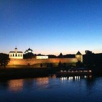 Das Foto wurde bei Novgorod Kremlin von Anastasya T. am 7/13/2012 aufgenommen
