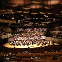 รูปภาพถ่ายที่ Boettcher Concert Hall โดย Michael M. เมื่อ 7/11/2012