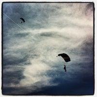 Foto tomada en Skydive Cuautla por Ulises C. el 6/10/2012