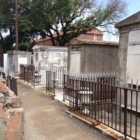 Снимок сделан в St. Louis Cemetery No. 1 пользователем Todd 5/14/2012