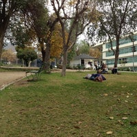 Foto tomada en Patio Casona Unab por Marco V. el 6/1/2012