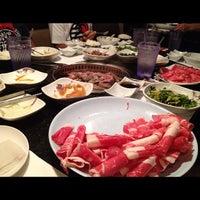 5/29/2012 tarihinde Edgar d.ziyaretçi tarafından Manna BBQ'de çekilen fotoğraf