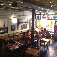 6/9/2012 tarihinde Enver M.ziyaretçi tarafından Ara Kafe'de çekilen fotoğraf