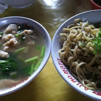 Photo taken at Mie Acing - mie lover recommended ;-) by inasurya on 5/31/2012