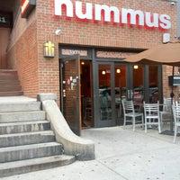 Das Foto wurde bei hummus grill von Steve G. am 8/14/2012 aufgenommen
