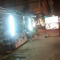 Photo taken at ร้านสุพจน์ทะเลเผา by เอ็นจอย พ. on 4/8/2012