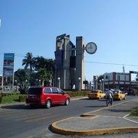 Foto tomada en Reloj De Las 3 Caras por Gerardo C. el 2/28/2012
