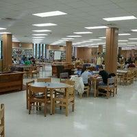 Foto tomada en Newman Library por Cristóbal C. el 3/30/2012