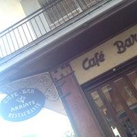Das Foto wurde bei Café Bar Arriate von 🃏 JᎾᏒᎶЄᎠIHЄ am 8/15/2012 aufgenommen