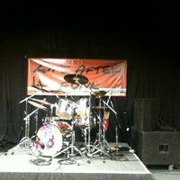 Photo prise au Q Sports Bar & Grill par Timothy P. le5/26/2012