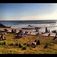 Foto tirada no(a) Praia do Moinho por Jorge B. em 3/11/2012