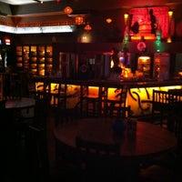 Das Foto wurde bei Taj Bar von Marcela S. am 4/27/2012 aufgenommen