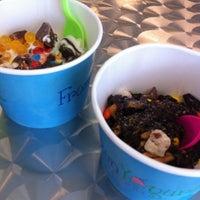 Foto diambil di Frozen Yogurt Creations oleh Jacey B. pada 7/7/2012