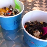 Foto tirada no(a) Frozen Yogurt Creations por Jacey B. em 7/7/2012