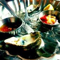 Photo prise au Legal Sea Foods par Phanessa le7/7/2012