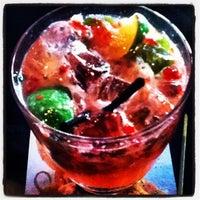 Das Foto wurde bei Empress Lounge von Robert B. am 6/25/2012 aufgenommen