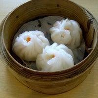 Photo taken at Hongkong Dimsum by Anitya H. on 3/11/2012