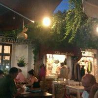 7/12/2012 tarihinde Vildan A.ziyaretçi tarafından Eski Kahve'de çekilen fotoğraf