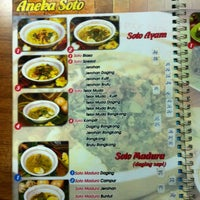 Photo taken at Soto Ambengan Pak Sadi by Ade W. on 3/27/2012