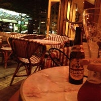Photo taken at Brasserie Julien by Rhi P. on 8/17/2012