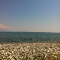 Photo taken at Raca Beach Club by Duygu Ç. on 6/1/2012