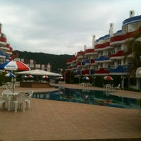 Photo taken at Ingleses Holiday Resort by Geovany B. on 7/21/2012
