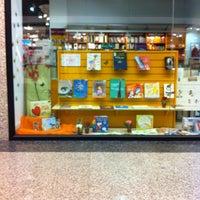 Das Foto wurde bei Moda Shopping von Sergio L. am 7/11/2012 aufgenommen
