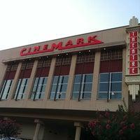 5/19/2012에 Fatimah T.님이 Cinemark Memorial City에서 찍은 사진