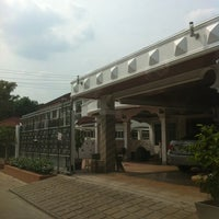 Photo taken at สโมสรหมู่บ้านชลลดา สายไหม by Ronnie K. on 3/12/2012