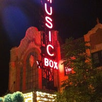 Foto tirada no(a) Music Box Theatre por Jay H. em 7/22/2012