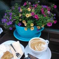 Photo taken at Kaffee Alchemie by Ann-Venette C. on 8/10/2012