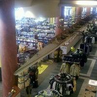 4/24/2012にWayne B.がGeorgia Tech Bookstoreで撮った写真