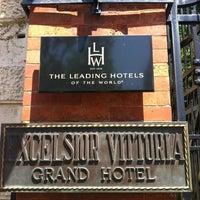 Foto scattata a Grand Hotel Excelsior Vittoria da Valerio B. il 7/5/2012