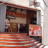 3/1/2012にEngel G.がHootersで撮った写真