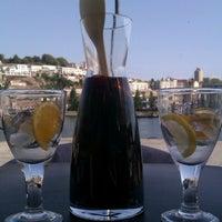 รูปภาพถ่ายที่ Café do Cais โดย Liesbet V. เมื่อ 9/7/2012