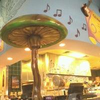 Photo taken at Mellow Mushroom by Kristin M. on 3/6/2012