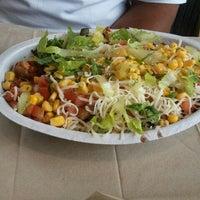 Foto scattata a Chipotle Mexican Grill da Gabrielle T. il 5/24/2012